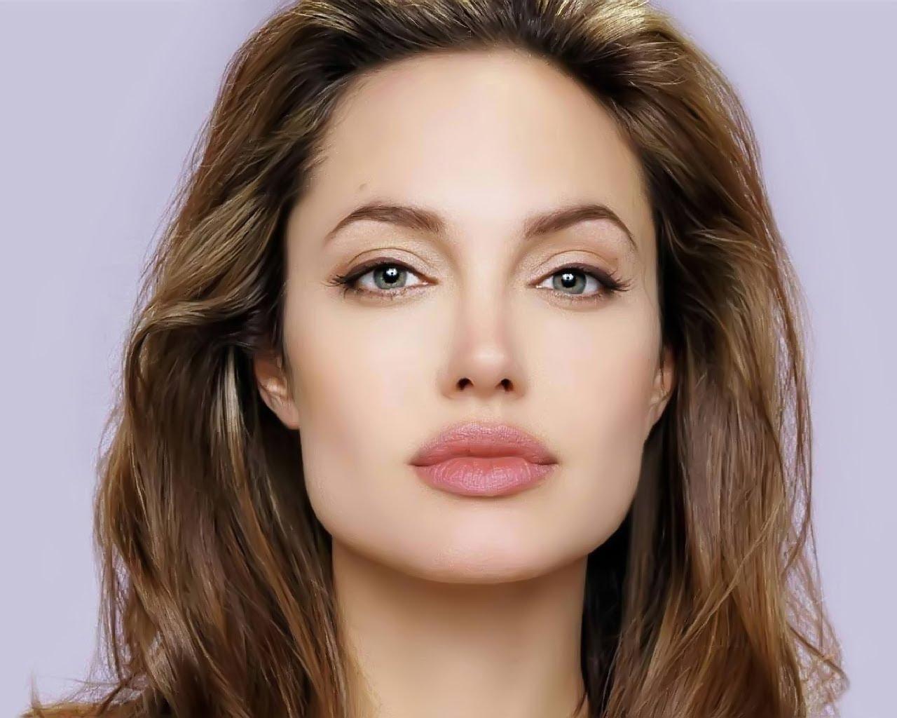 Макияж как у Джоли